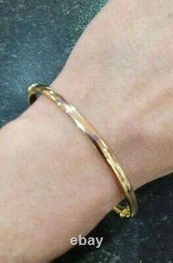 9ct Gold Bangle Ladies 3.5 grams Gift Boxed 4mm Hinged