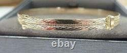 9ct Gold Bangle Ladies Expanding Patterned Solid 4.1 grams