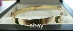 9ct Solid Gold Baby/Child Expanding Claddagh Bangle 2.6 grams Gift Boxed