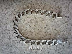 9ct White/Yellow Gold Curb Chop/Chaps Bracelet 32.9 Grams. Not Scrap