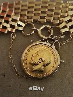 9ct gold gate bracelet with full sovereign