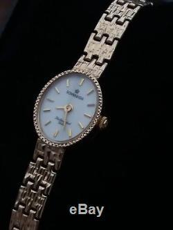 9ct gold ladies quartz bracelet watch hallmarked in a great condition
