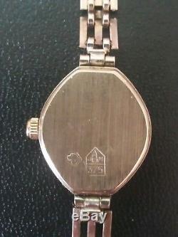 Accurist 9ct gold ladies quartz bracelet watch all gold in excellent condition