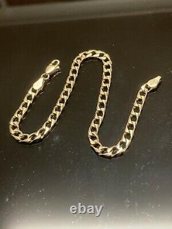 Beautiful 9ct Italy gold curb chain Bracelet, hallmarked In Excellence Condition