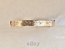 Ladies Solid 9ct Gold Engraved Bangle